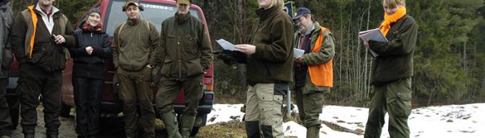 Elever från Öknaskolan i Sörmland håller i planering och utförande. Läraren övervakar allting. Foto Magnus Rydholm